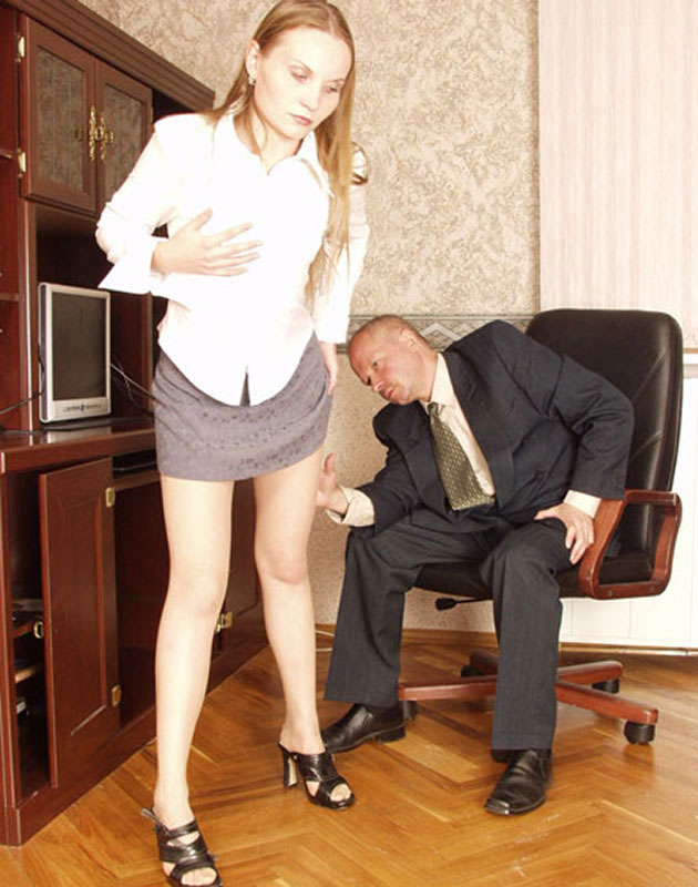 Boss Fucks Young Secretary